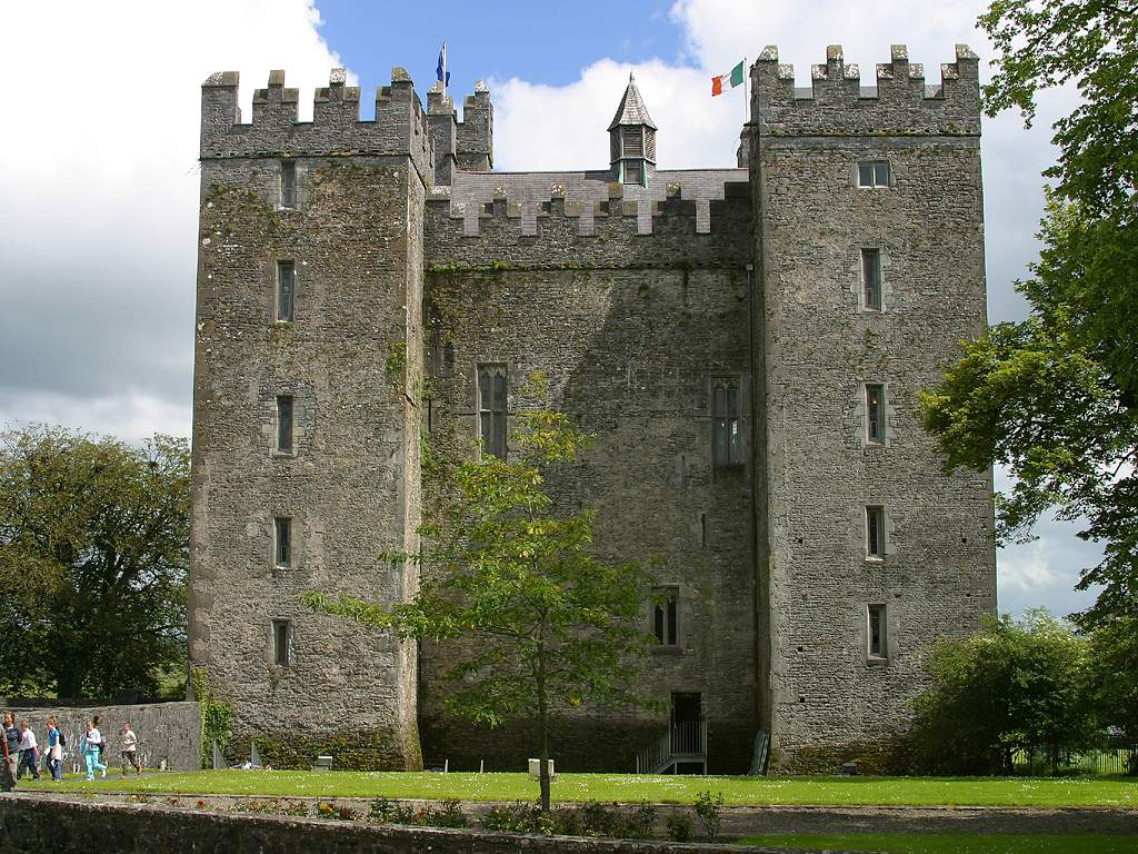 Bunratty Castle & Folk Park - Greenhills Hotel Limerick